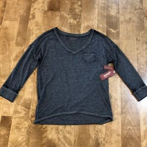 Gray 3/4 sleeve juniors top NWT. Arizona Jean Co.